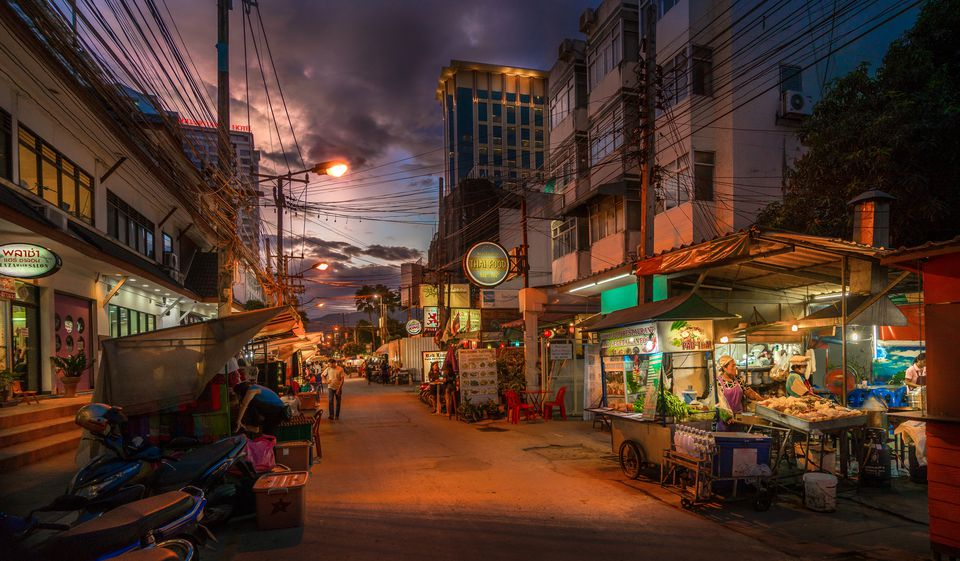 Bangkok-Streets-and-Street-Foods