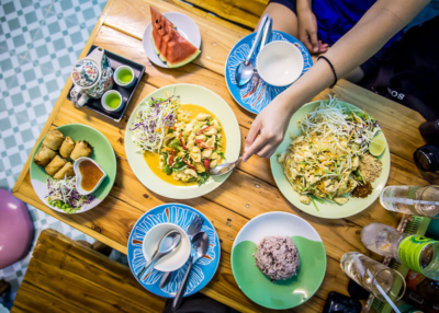 Must-Know-Dining-Etiquette-Thailand